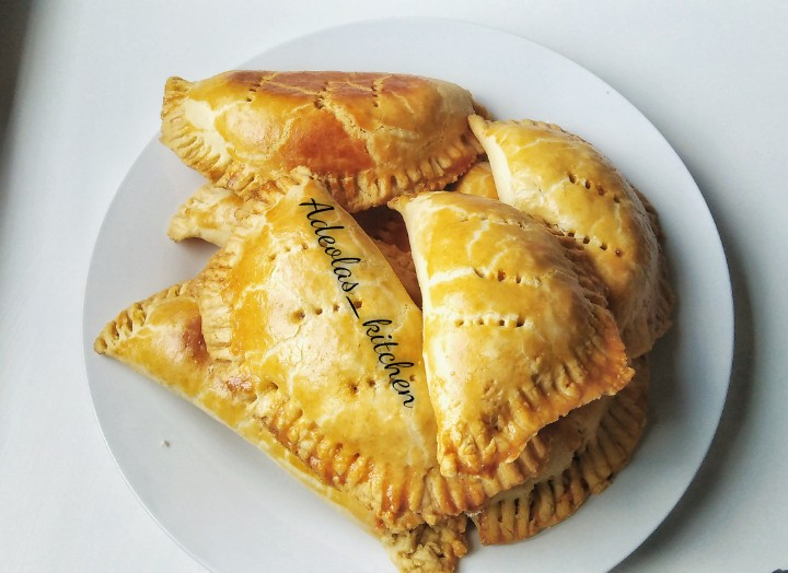 Easy To Make Step By Step Nigerian Meat Pie Recipe Adeolas Kitchen